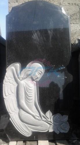 памятник младенцу из гранита