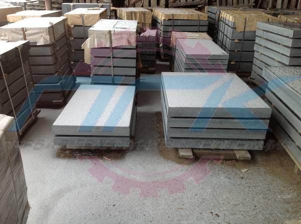 Гранитные плиты