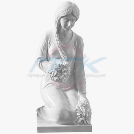 """Скульптура """"Скорбящая с цветами"""""""