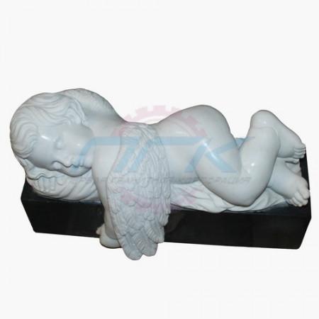 """Скульптура """"Ангелочек, укрывшийся крылом (на граните)"""""""
