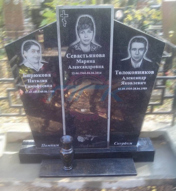 Пример семейного памятника