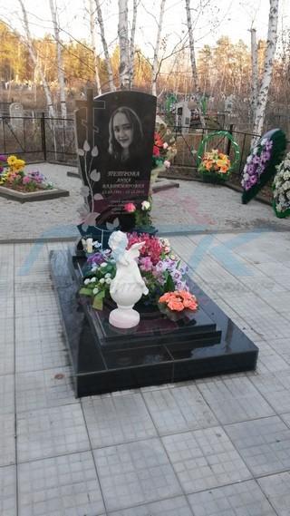Пример памятника с розой